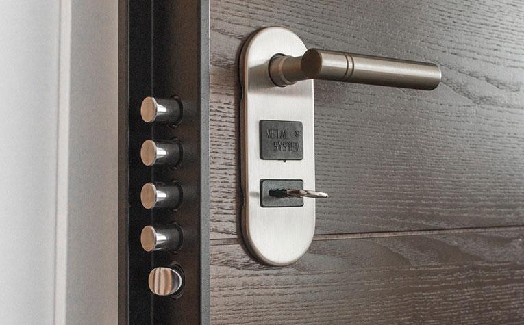 Post billede 5 ting der skal være tilgængelige i et seniorvenligt hjem Sikkerhed - 5 ting der skal være tilgængelige i et seniorvenligt hjem