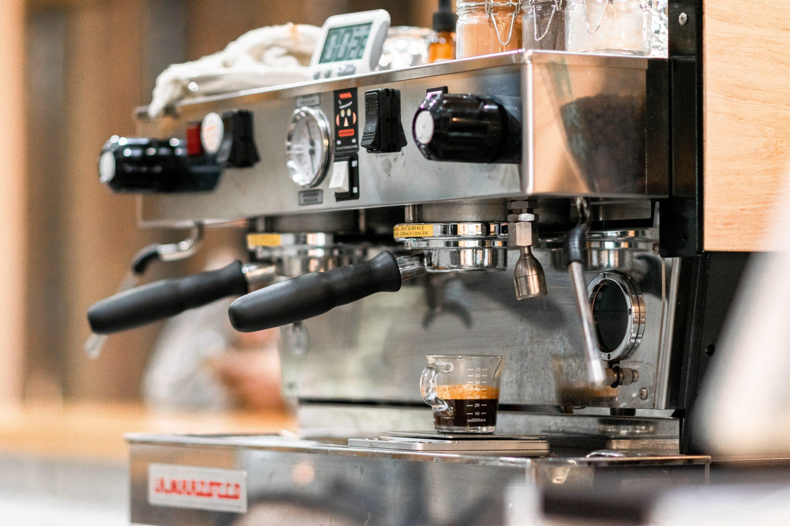bradley pisney PE3ITnror g unsplash scaled - Skal du købe ny kaffemaskine?
