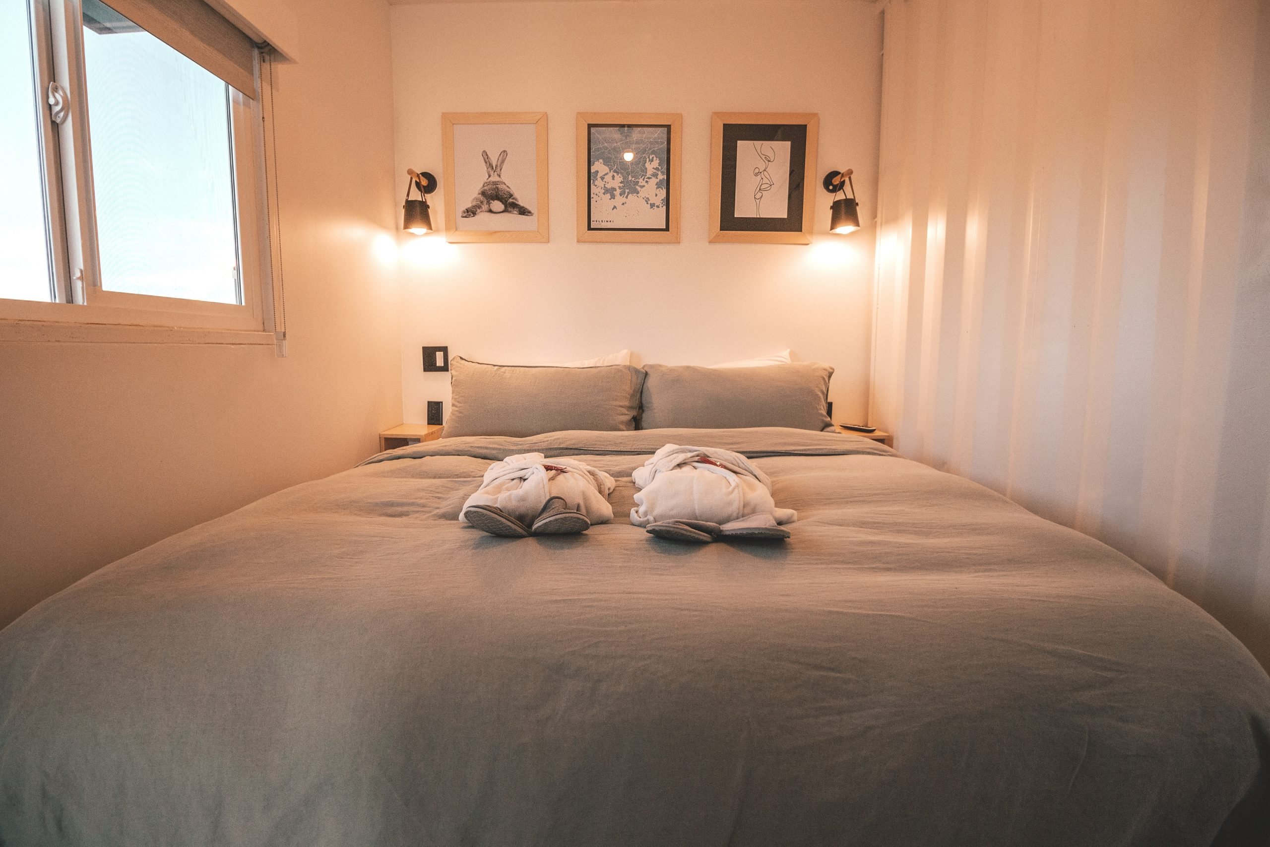 erick palacio  B9J6abAHPA unsplash scaled - Sov godt om natten med en kontinentalseng på tilbud