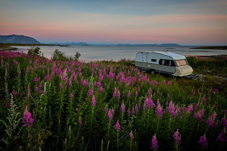 vidar nordli mathisen BqNRovgWwDg unsplash 750x500 - Øg campingglæden med et fortelt