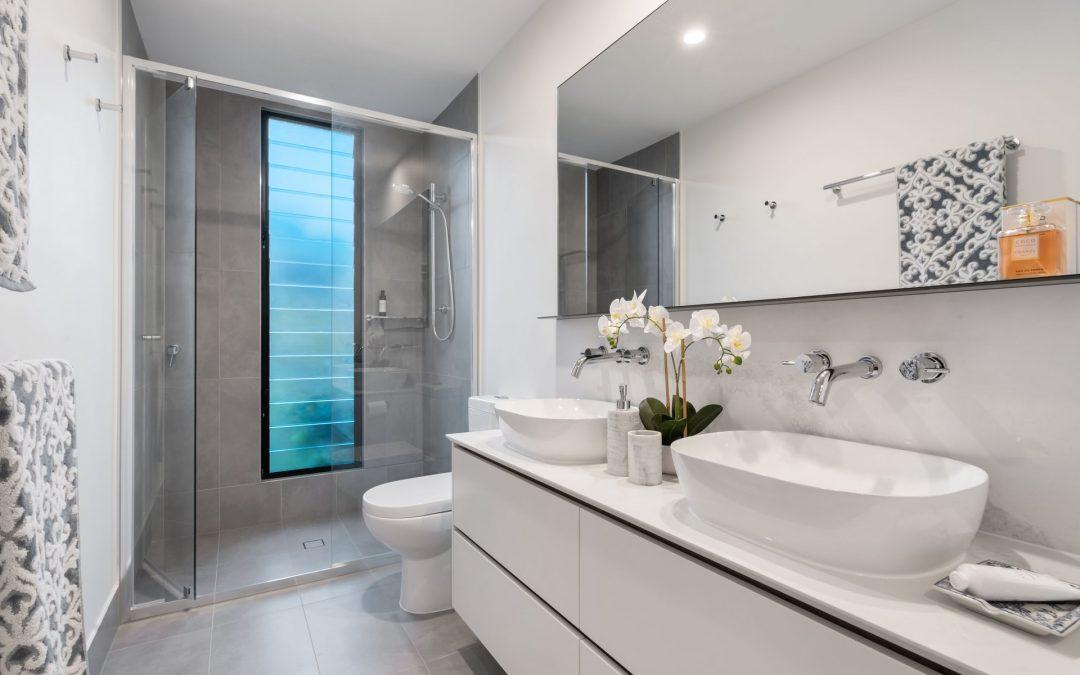 Få brusedøre på mål til dit badeværelse